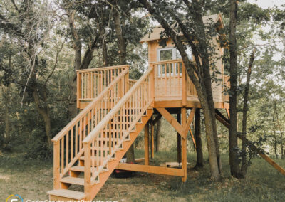Backyard treehouse built by the team at clarke construction projects