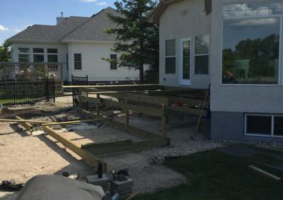 companies in winnipeg who build decks