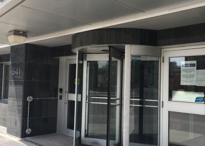 revolving-door-installation