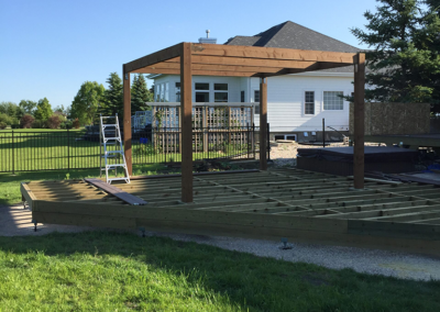 who builds outdoor decks in manitoba