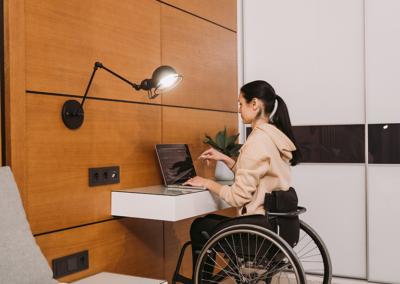 accessible desk area